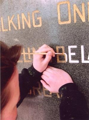 Letterwerk op graniet Stadhuis, Rotterdam